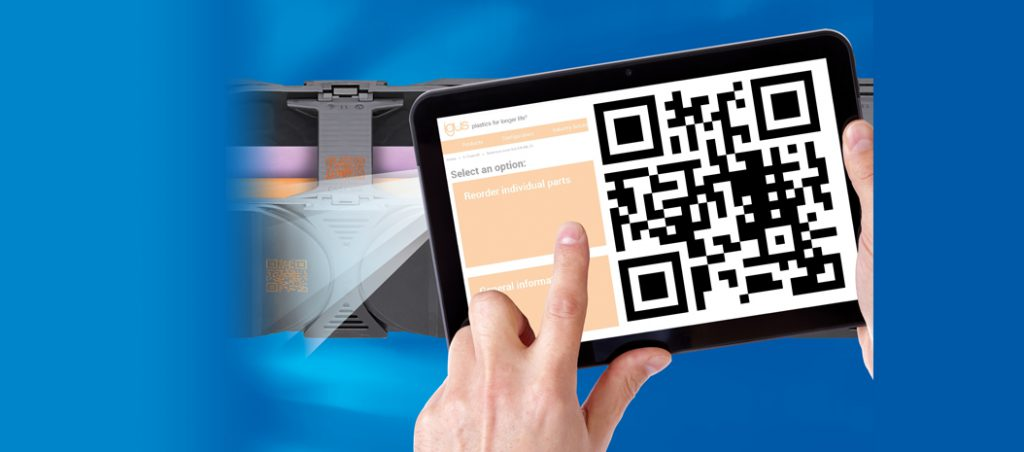 Serviço digital na indústria: a igus equipa as calhas articuladas com códigos QR