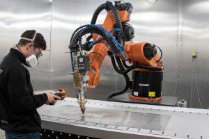 Primeiro robot de tecnologia de impressão 3D metálica de alto rendimento e grandes dimensões em Portugal