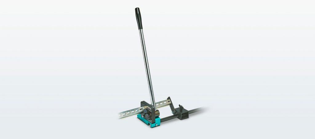 Máquina compacta de corte de calha DIN