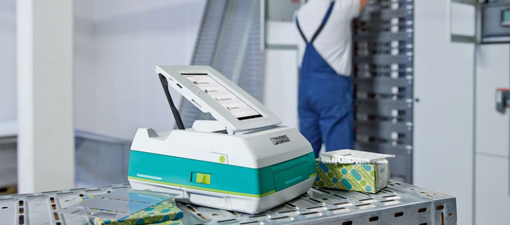 Impressora térmica para marcações industriais – dentro e fora de portas