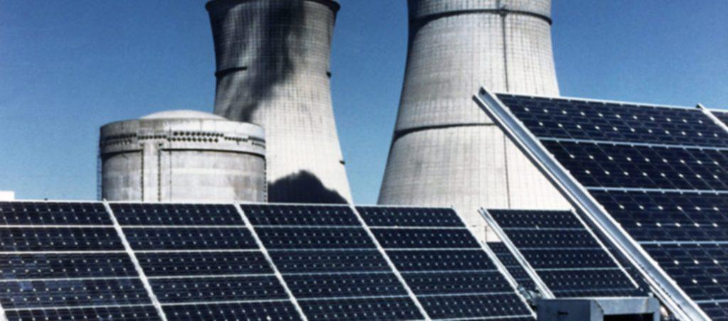 uma central nuclear num telhado